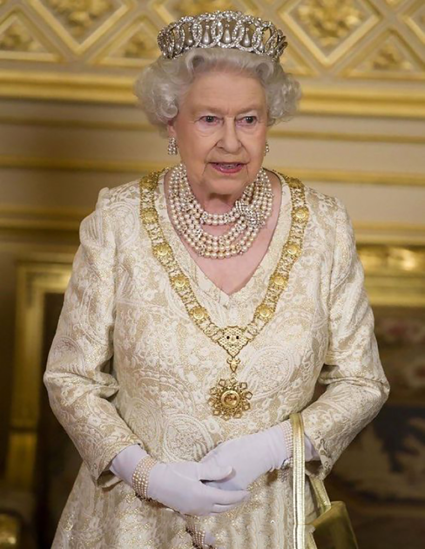 a brief look at queen elizabeth i Queen elizabeth ii (elizabeth alexandra mary) was born on april 21, 1926, in london however, her official birthday is celebrated on the second saturday of june this day is called 'the trooping of.