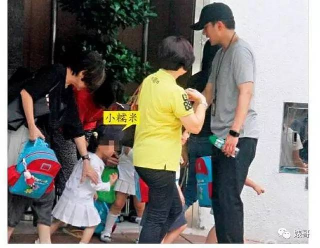 Yang Mi 3 year old daughter, small glutinous rice, summer vacation reported too much interest in class, than Yang Mi still busy, Grandpa Liu Dan helpless said, family tour can't take place
