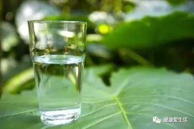 [health] so drink water, sooner or later big event! Drink more drink more and more heavy puffiness, moisture...