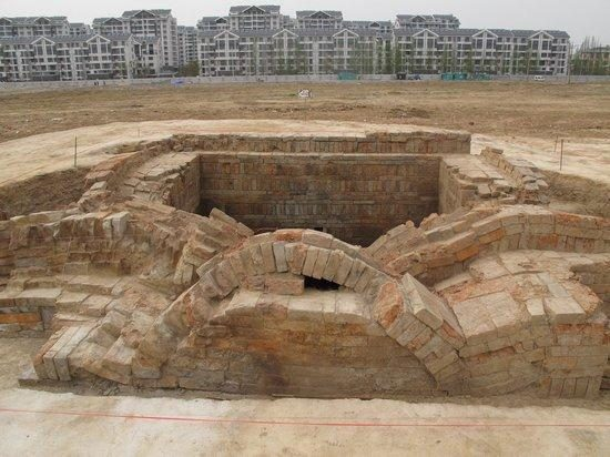 Jiangsu, a garbage dump found at the mysterious tomb dug the eternal Emperor