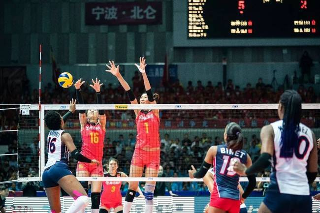 Thumbs up! Chinese Women's Volleyball Team 3-0 Dominica Li Yingying Debuts in Strong Debut