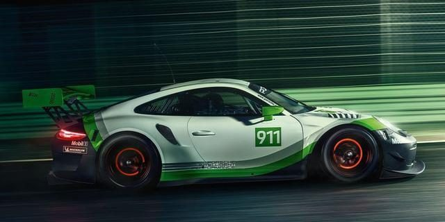In addition to the track, it does not want to go anywhere! Porsche 911 GT3 R is the number one player