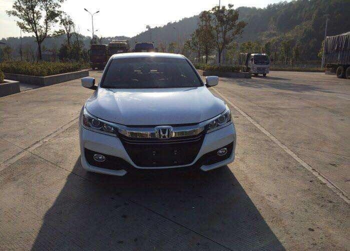 Honda Accord was hit by Peugeot 508 and the owner: Changed the car