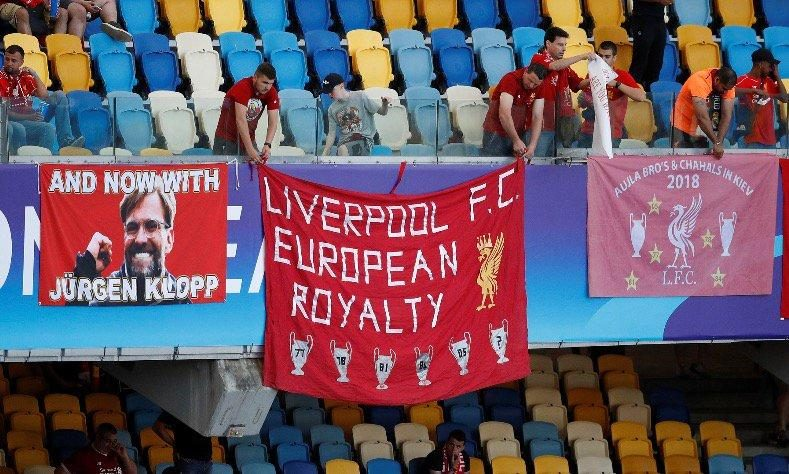 Liverpool fans banner debuts in Kiev: Champions League, go home