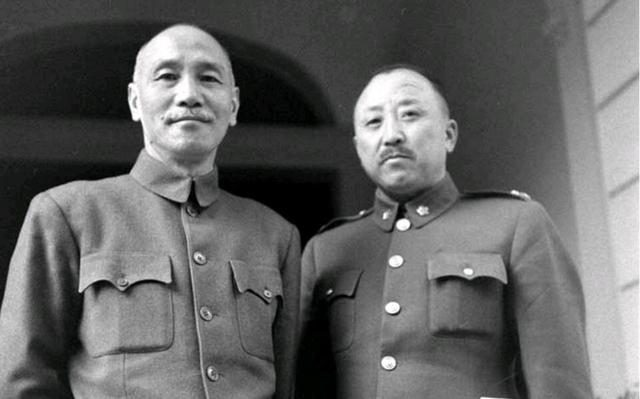 Before the Battle of Liao, why did the generals of the Northeast Army not agree with Chiang Kai-shek's withdrawal?