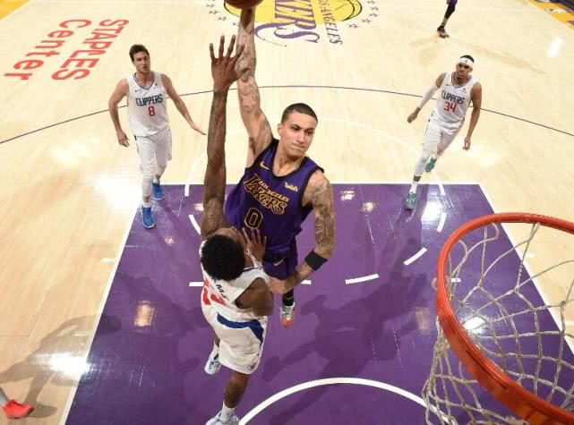 Lu Wei 36+7 makes the Lakers four less 72+26+14 into bubbles. No leader Los Angeles falls to the seventh in the west.