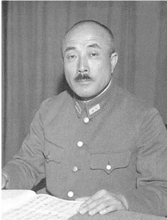 After sacrificing the supreme general in the War of Resistance Against Japan, his wife died of hunger strikes for seven days and buried Meihua Mountain together.