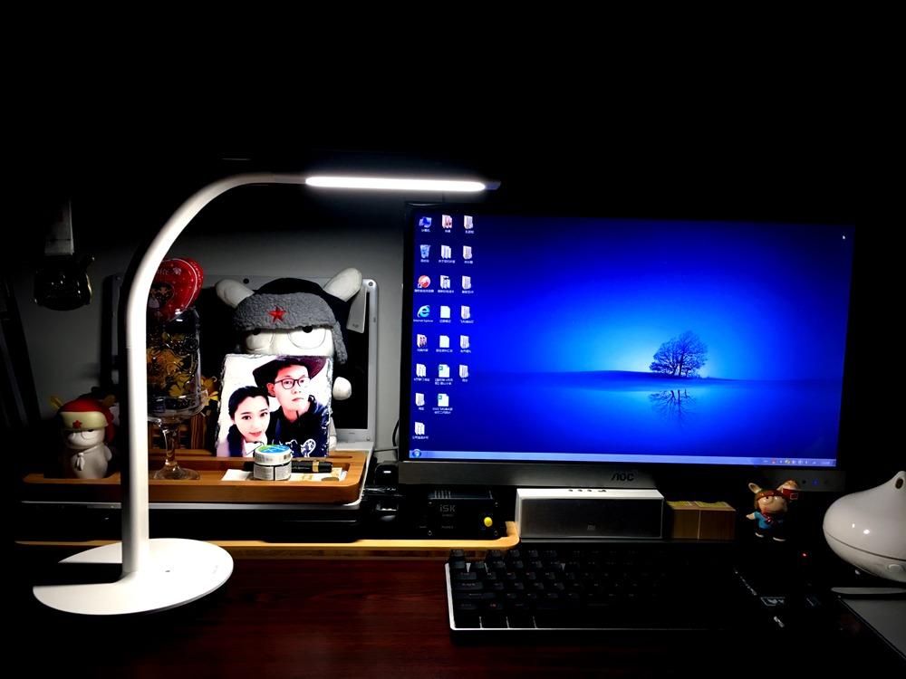 科技智能与光的完美碰撞,米家飞利浦智睿二代台灯体验
