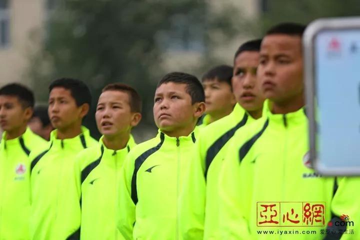 新疆少年的足球江湖,谁与争锋?中国足球的未来,请看新疆!