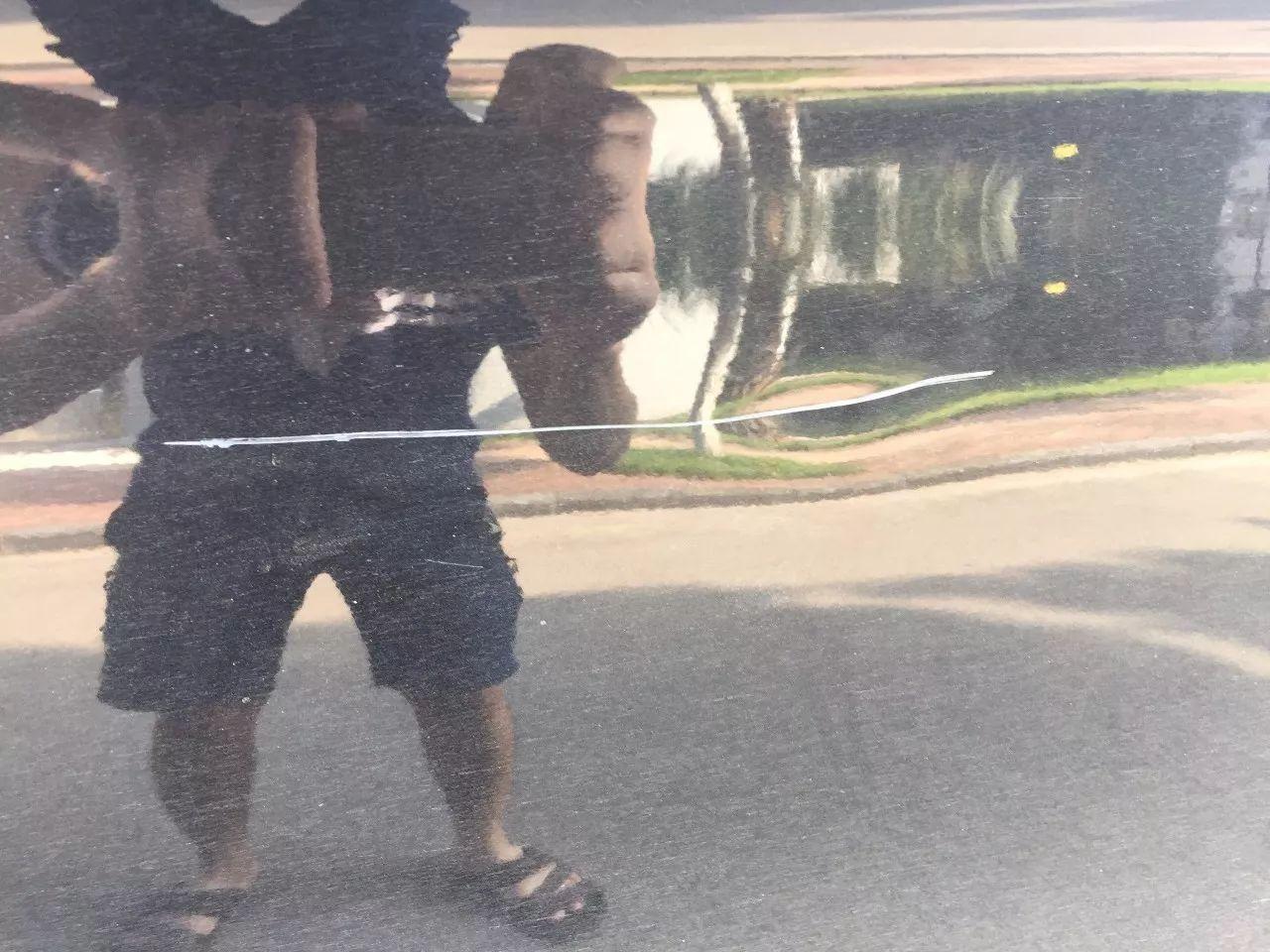 傳瘋了!廣西桂林一大學生刮了?別人的車?跑了,大家卻為他點贊!?