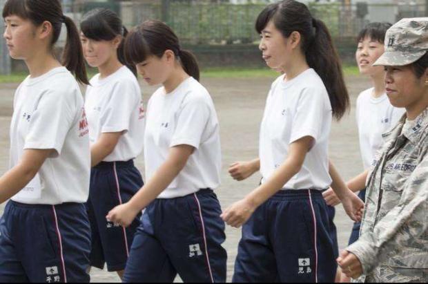 陜西高二?女生操場產子?!青春期的女孩子要如何保護好自我?