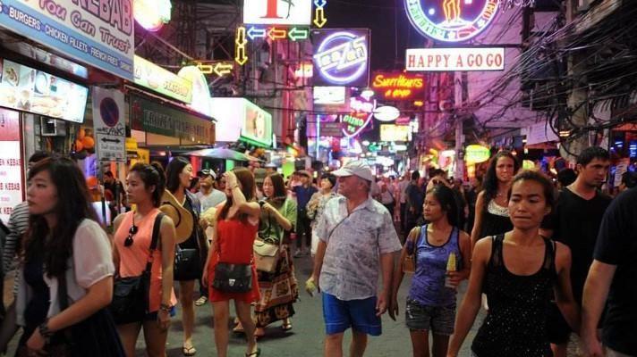 男女通吃的泰国,女游客也对这里的夜生活抱有幻想!