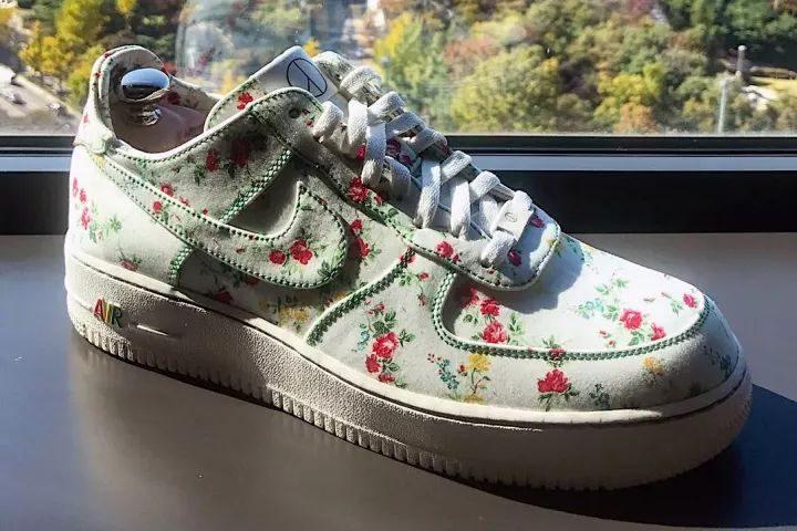 cheap for discount 4373d d1b62 雖然這雙鞋是GD的個人專屬鞋款,不過想要還可以自己DIY了。下面還有更多你有機會買到的新鞋,一起來來看看吧!  1、 Public School x  Nike聯乘Air Force ...