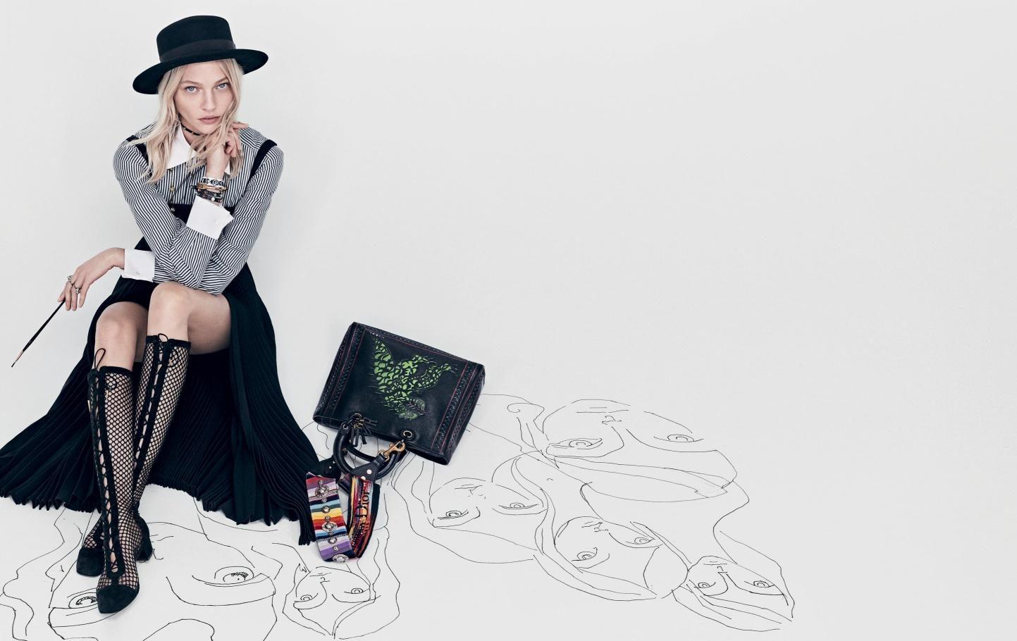 Dior2018SS成衣系列广告大片,国际超模Sasha Pivovarova完美演绎 - AnaCoppla - AnaCoppla