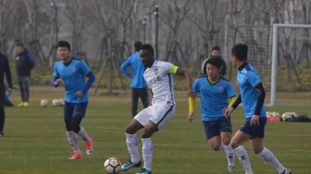 中国足球未来希望:23岁后卫单场独进2球获名帅盛赞!