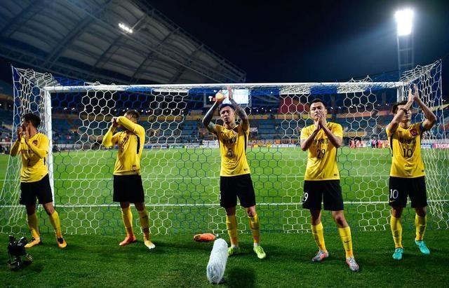 38岁老将为中国足球
