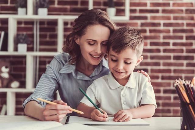 """早教中,怎么让孩子""""抢着学""""?1个关键心理效应,学习效果翻倍"""