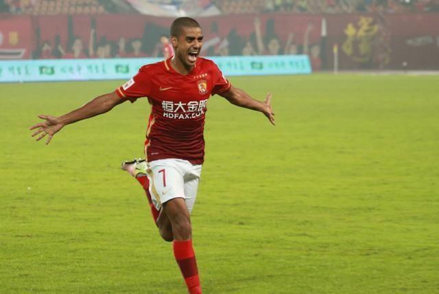 广州恒大阿兰重罚8场却引非议 中国足球失望的不仅是球员