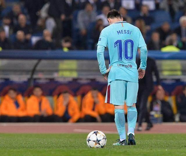 还球王呢?别说世界杯了,梅西现在欧冠都进不了球,还跟C罗比吗