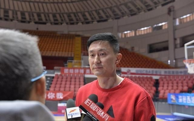 杜峰:CBA本土得分榜前5蓝队有4人,王哲林表示不同意!