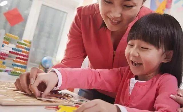 育儿学问:0~1岁宝宝不同月龄的早教重点