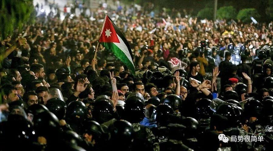 被趕下臺的約旦首相告訴我們:國際貨幣基金組織的錢不能隨便借!