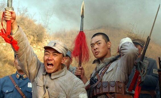 一把军刀换20箱手榴弹,后勤部长张万和与李云龙唱哪出?