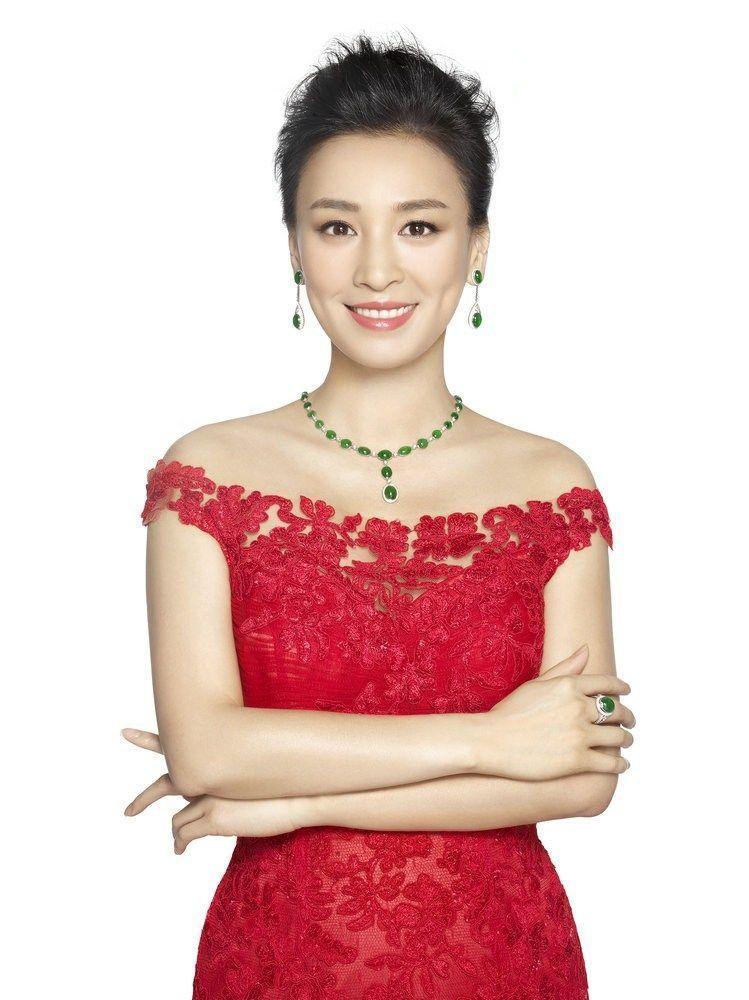 她是国内微商第一人,在上海耗资17亿买楼,每月支出过两亿!