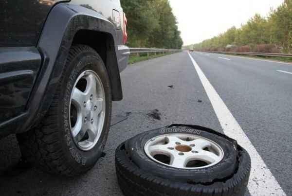 史上最全的轮胎爆胎前征兆、解决措施及预防