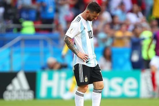 欧冠世界杯双线暴击,梅西已哭不出眼泪,低头接受时代终结!