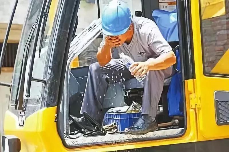张家港吊车出租公司司机有多少工资