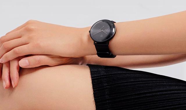 小米发布一款石英表,也许这才是智能手表最应该的形态?