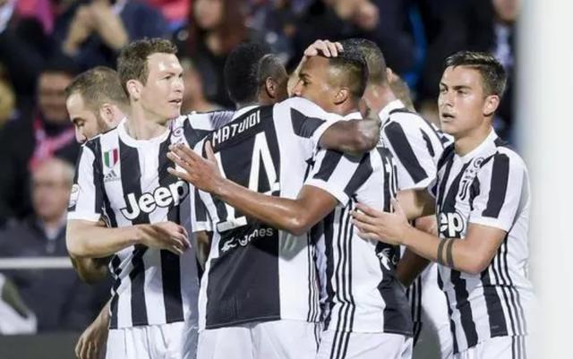 欧冠:尤文图斯3-0完胜年轻人