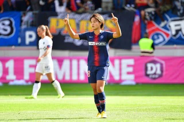 中国足球创历史!欧冠历史首球诞生 球迷感