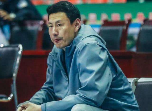 CBA球员退役后谁的解说水平高?李楠教练当的好解说还很棒!