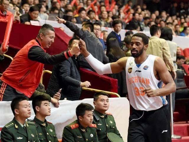 CBA总冠军球员被外国正式归化,将成中国