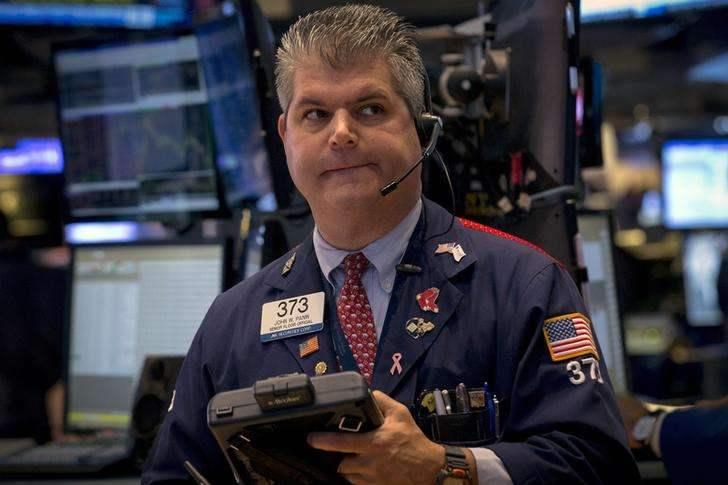 美股周四全线低开道指跌破25000点关口 陌陌暴跌逾14%