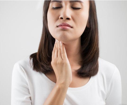 喉癌的早期症状有哪些?得了咽喉癌,5个地方会