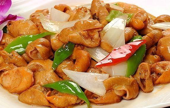 四川大厨告诉你,爆炒肥肠,加这几个配方,香而有嚼劲
