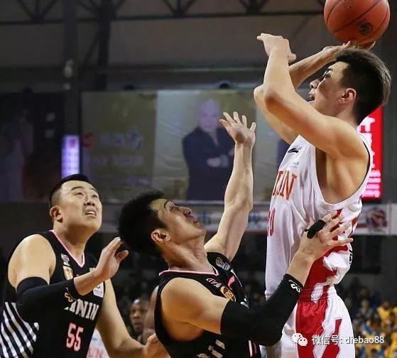 又一位CBA球员因病宣布退役 中国篮坛再次上演伤离别!