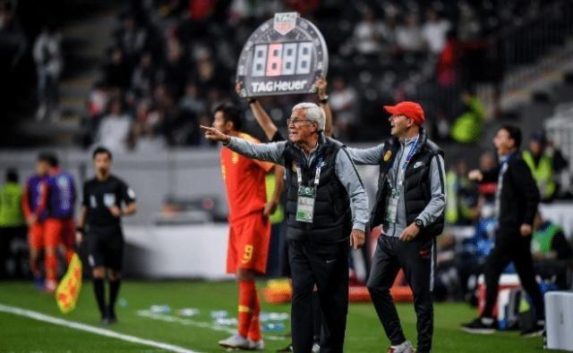 国足0-3惨败伊朗后