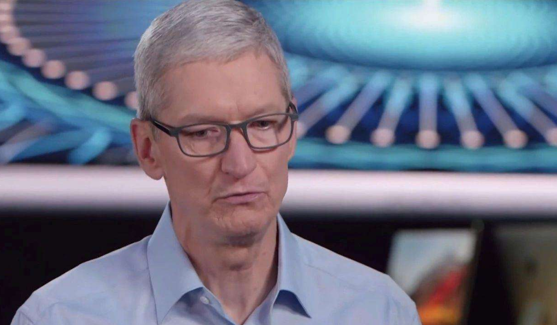"""苹果王朝的""""陨落"""":手机价格一降再降,用户该不该买单?"""
