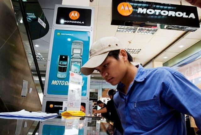 摩托罗拉回来了:在巴西强势回归,下月将先于华为发布可折叠手机
