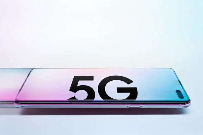 三星Galaxy S10 5G不仅有更快网络,屏幕、相机、电池也有加强