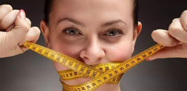 女人健身和不健身,真是没有对比就没有伤害!