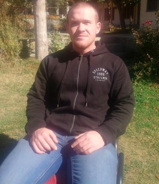 新西蘭恐襲搶手屠殺49人后出庭受審,臉上掛著一絲淡淡的笑容