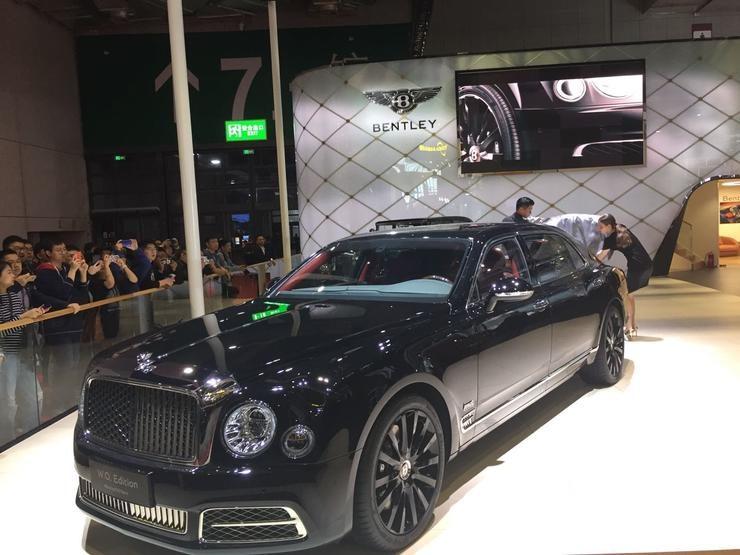 宾利慕尚创始人典藏版国内首秀,2025年前实现全系车型电动化 | 2019上海车展