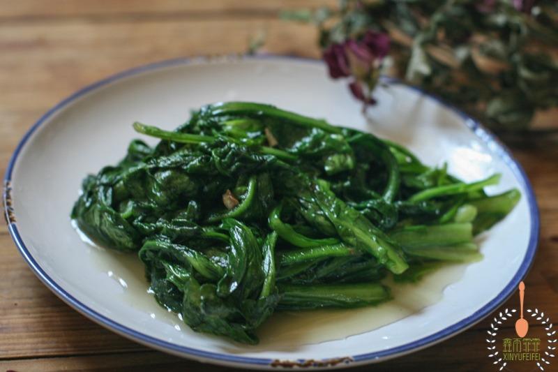 炒青菜经常犯的几种错误,所以青菜变硬不好吃,这才是正确的做法