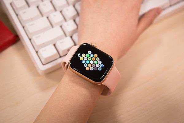 智能手表最新市场报告: Apple Watch领跑/三星增长翻倍