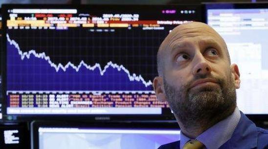 美股暴跌后,黄金和比特币开始狂欢